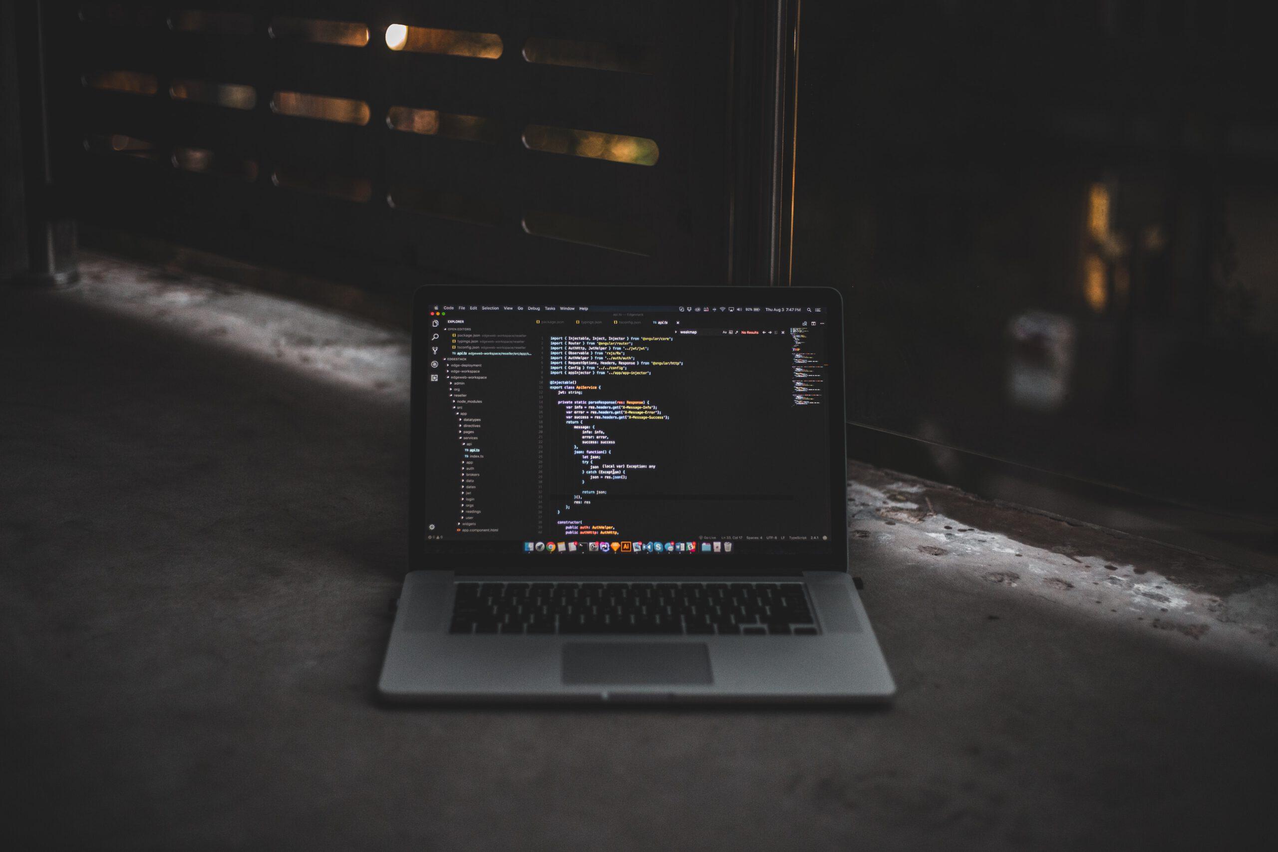 Tietokoneapua_kansikuva